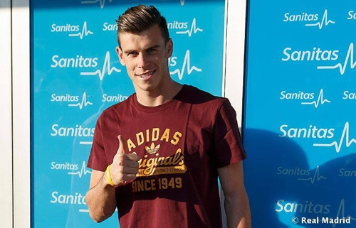 CHÙM ẢNH: Bale hoàn tất kiểm tra y tế ở Real
