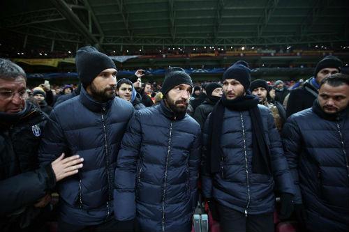 Chùm ảnh: Bão tuyết 'phá' trận đấu giữa Galatasaray và Juventus