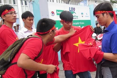 Chùm ảnh: NHM Việt Nam nhiệt tình với giải U19 quốc tế Cúp Nutifood