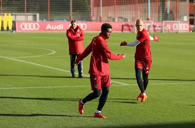 Arjen Robben trở lại tập luyện cùng Bayern