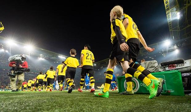 Kagawa hồi sinh, Dortmund vùi dập Paderborn tại 'địa ngục' Signal Iduna Park