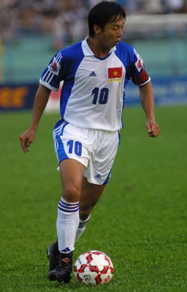 10 lần xuất ngoại thi đấu của cầu thủ Việt: Huỳnh Đức tiên phong; Công Vinh lập cú đúp