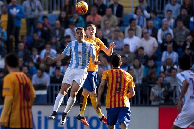 Chùm ảnh: Ghi tuyệt phẩm volley, Messi giải cứu Barca ở La Rosaleda