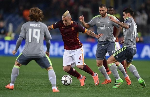 Real đặt một chân vào tứ kết, Zidane cười tít mắt