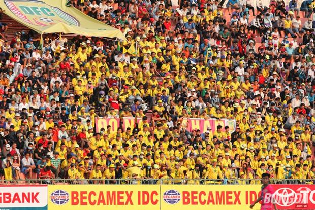 """Cầu thủ Đồng Tháp """"biếu không"""" cho đội khách Hà Nội FC 3 điểm"""