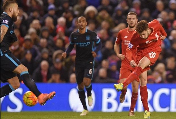 Thua trận, Sterling còn bị CĐV Liverpool chế giễu