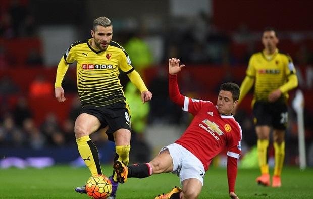 """Watford """"ngơ ngác"""" trước siêu phẩm sút phạt của Juan Mata"""