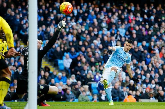 Chùm ảnh: Toure, Aguero nổ súng, Manchester City sắp vượt Arsenal