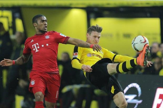 """Pep """"trách cứ"""" cầu thủ sau khi Bayern bỏ lỡ cơ hội nới rộng khoảng cách"""