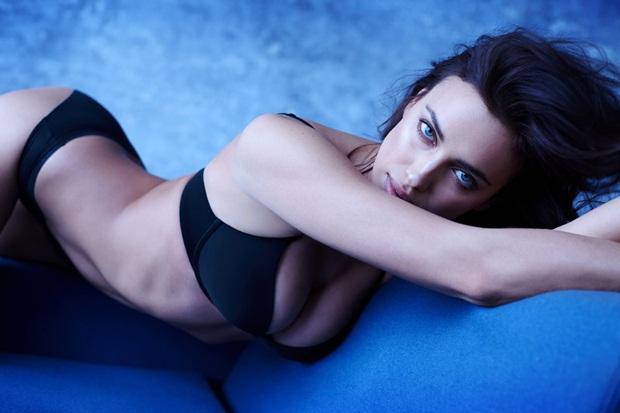 Không cần Ronaldo, Irina vẫn tỏa sáng với đồ lót xịn