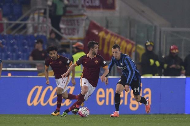 HLV Spalletti thất thểu rời sân vì AS Roma đứt mạch toàn thắng