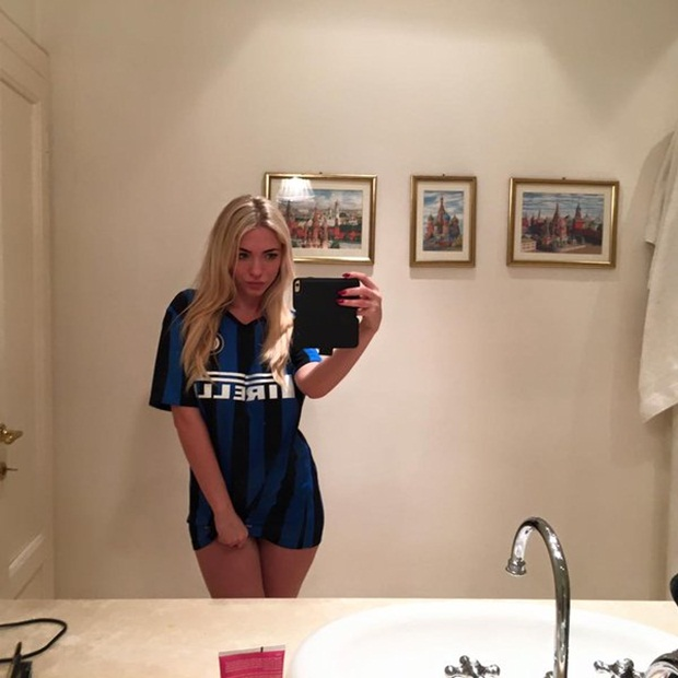 Người đẹp cởi quần cổ vũ Inter Milan