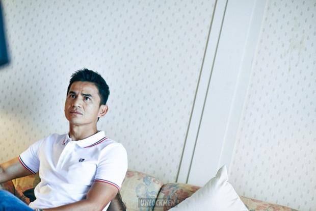"Tuyển thủ Thái Lan bảnh bao ""đốn tin"" fan nữ"