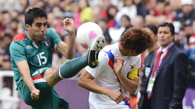 Tranh HCV bóng đá Nam: Đừng xem thường Mexico!