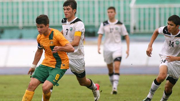 """U19 AFF: Australia và Uzbekistan suýt """"hỗn chiến"""" trên sân"""