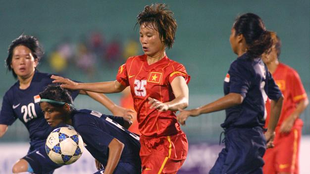 Bóng đá - HLV bực mình vì các tuyển thủ nữ thiếu tôn trọng đối thủ