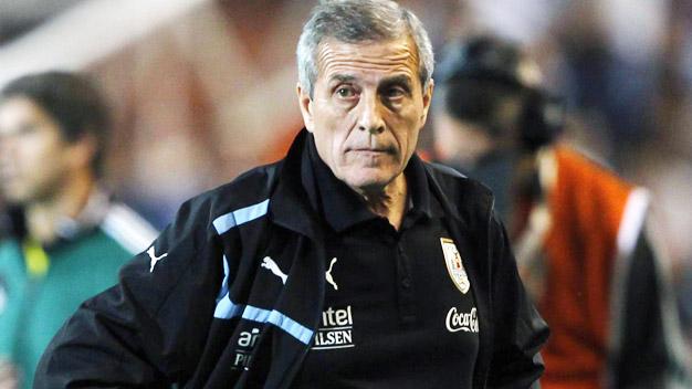 VL World Cup 2014: Uruguay trục trặc chiến thuật