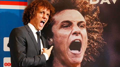 Cờ đến tay David Luiz