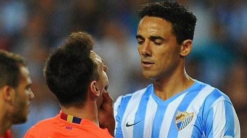 Messi bị bóp mồm vì sỉ nhục đối phương là