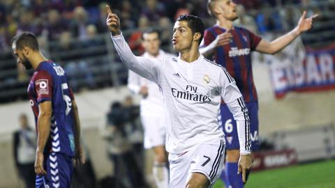 Ronaldo và bàn thắng thứ 20 ở La Liga: Siêu nhân CR7!