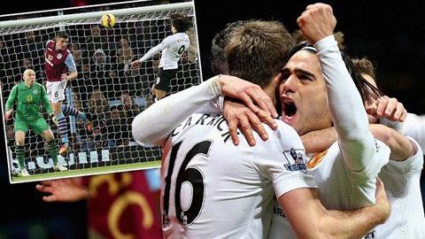 Aston Villa 1-1 M.U: Falcao không cứu nổi Quỷ đỏ