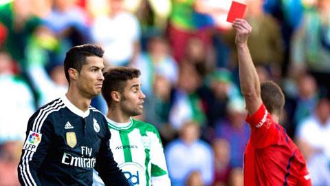Bóng đá - Nhìn lại 5 chiếc thẻ đỏ của Ronaldo trong màu áo Real Madrid