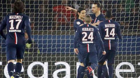 Bóng đá - Ibra lập hat-trick, PSG tạm chiếm đỉnh Ligue 1