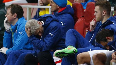 """Wenger muốn """"bệnh"""" khi đội nhà thua trận"""