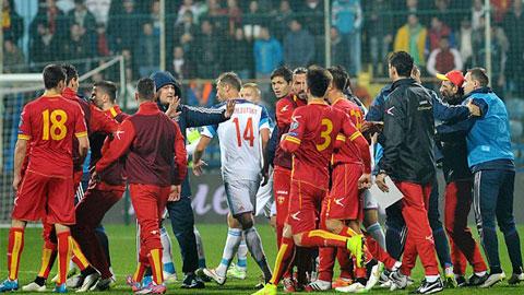 Bóng đá - Nga được xử thắng 3-0 sau sự cố CĐV ở Montenegro