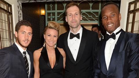 Dàn sao Chelsea xúng xính đi dự tiệc của Drogba ngay sau thắng lợi trước M.U