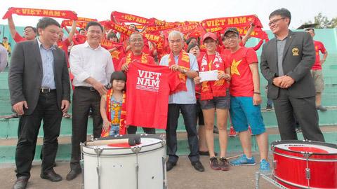 Bóng đá - Chủ tịch VFF Lê Hùng Dũng tri ân CĐV Việt Nam