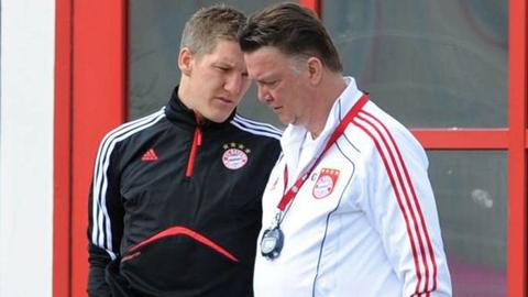 Bóng đá - Van Gaal tính phá luật để đưa Schweinsteiger về Old Trafford
