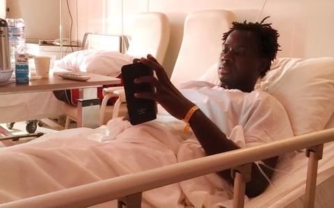Bóng đá - Hà Nội T&T sẽ hỗ trợ điều trị chấn thương cho Abass