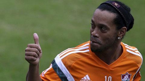 Ronaldinho được đội bóng Malaysia mời chào