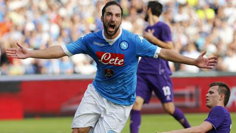Bóng đá - Đánh bại đội đầu bảng Fiorentina 2-1, Napoli khẳng định tư cách ƯCV vô địch