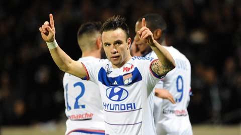 Valbuena vực dậy Lyon