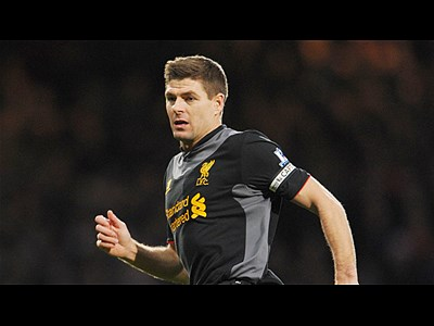 ibongda.vn - Gerrard converts penalty, Liverpool lead 1-0