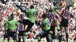 Bàn phản lưới nhà của Demba Ba khiến Newcastle có trận hòa trước Sunderland