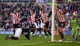 Chùm ảnh: Suarez lập cú đúp mừng ngày trở lại, Liverpool đánh bại Sunderland