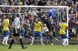 Chùm ảnh: Chiến thắng Crystal Palace, Arsenal xây vững ngôi đầu