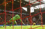 Chùm ảnh: Suarez thăng hoa, Liverpool nhấn chìm West Brom