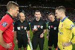Van Persie đánh đầu hiểm hóc, Man United thắng tối thiểu Arsenal