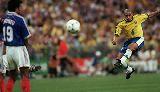 Chùm ảnh: Những hậu vệ biên hay nhất lịch sử bóng đá