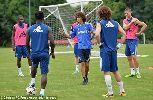 Fan giống David Luiz như lột đột nhập buổi tập của Chelsea