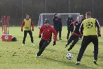Chùm ảnh: Man United hăng say tập luyện trong tiếng cười
