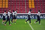 Chùm ảnh: Mưa tuyết trắng trời trận thư hùng Galatasaray - Juventus