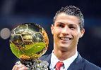 Chùm ảnh: Ronaldo gia nhập nhóm 10 danh thủ giành ít nhất hai Bóng vàng