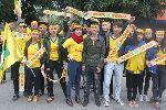 Chùm ảnh: Hình ảnh cổ  động viên cuồng nhiệt trong chiến thắng 6 sao của Sông Lam Nghệ An