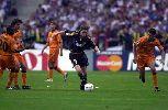 Chùm ảnh: Những màn nội chiến ở chung kết Cup châu Âu