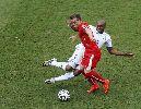 Chùm ảnh: Chùm ảnh: Chàng lùn lập hat-trick, Thụy Sĩ đoạt đoạt vé vào vòng trong